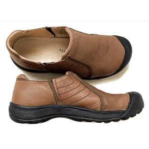 Keen Cush Leather Slip On Shoes 9